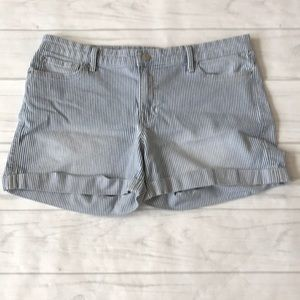 🍄Gap women's 12 sexy boyfriend shorts